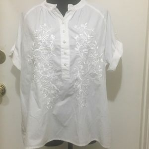 Beautiful Susan Graver embroidered cotton top